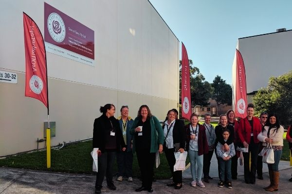 Bus tour group at Sasy n Savy - Warehouse shopping tour - Nurtured Tours