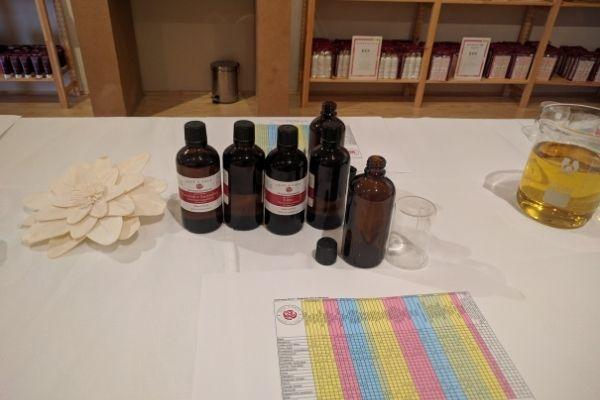Make your own essential oil blend - Wellbeing seminar - Nurtured Tours
